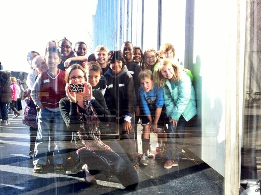 Class selfie at NC Art Museum by Twitter user @grade3atJG