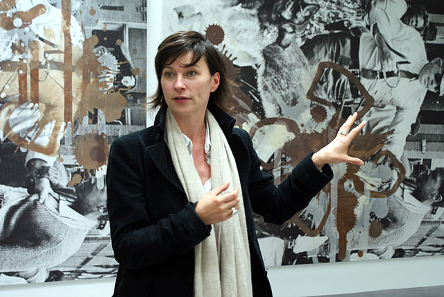 Curator Anne Pontégnie at Kelley Walker's exhibition (Wiels contemporary art center, Brussels, B). CC BY-SA 3.0 image fr Wikimedia Commons by Marcwathieu