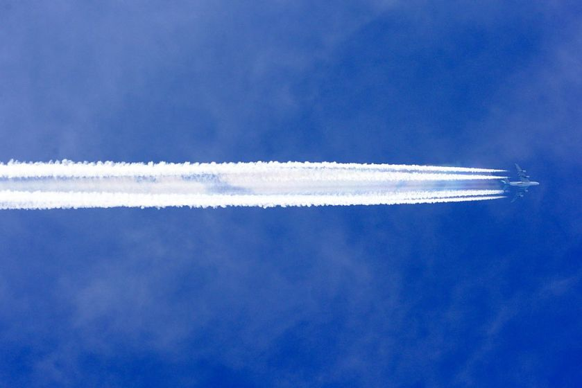 1024px-korean_air_airbus_a380-800_with_contrail